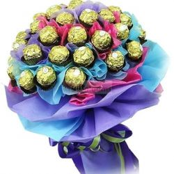 ​24 Ferrero in a beautiful Bouquet