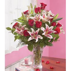 6 Pink Lilies with Free Vase