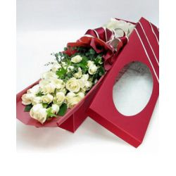 ​24 White Roses in a Box