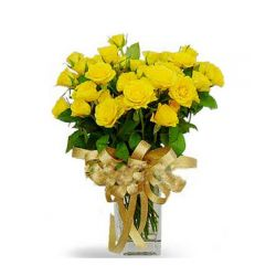 24 Yellow Roses with Greenery in Free Vase